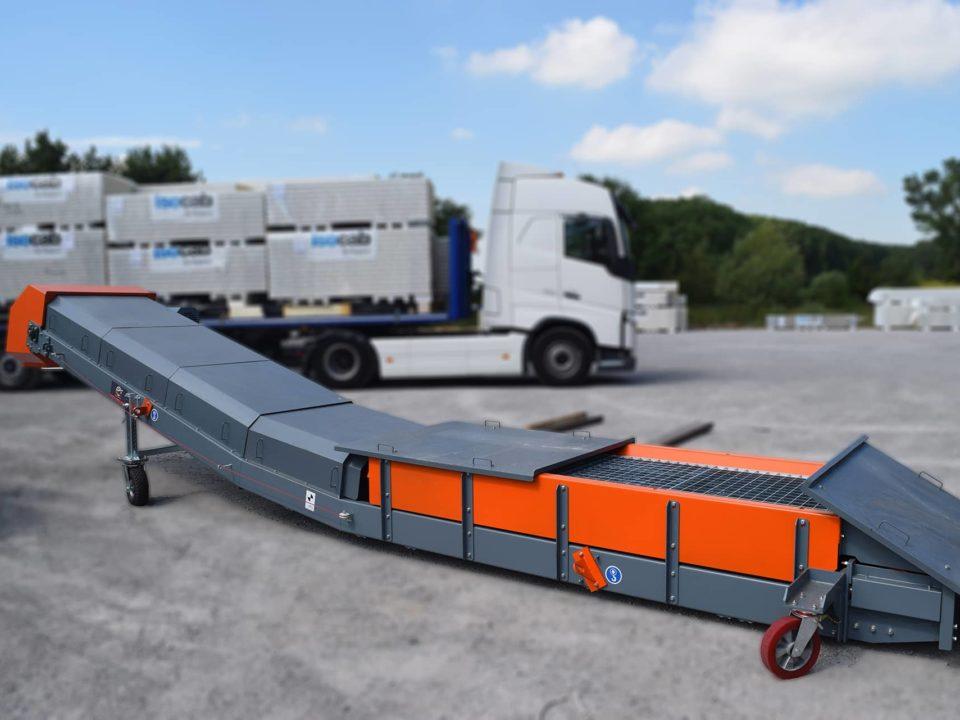 Conveyor belt cover for truck unloader