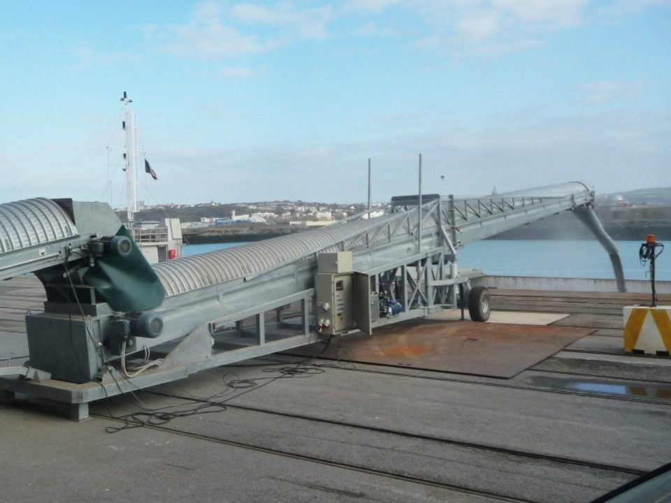 bulk-loading-alongside quay-sautec