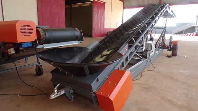 Loading conveyor belt