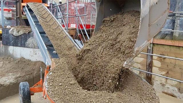 Bulding site conveyor