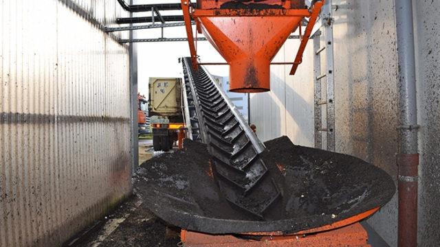 Sludge conveyor